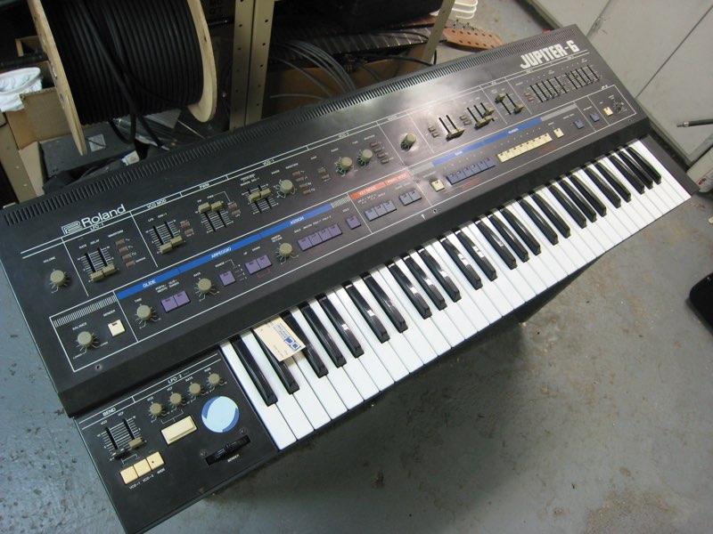 Roland Jupiter 6 - Z3SOUND COM